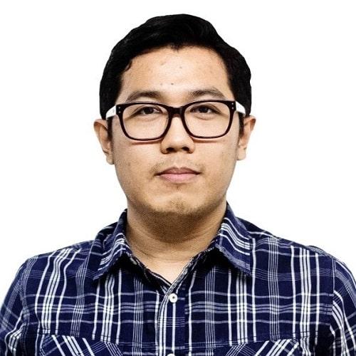 Francis senior digital analyst